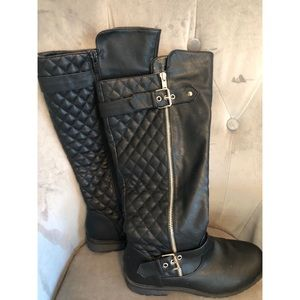 Black knee high boots, great condition!